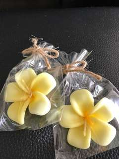 Floating flower candles 14pcs