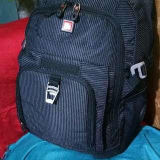 Swisswin laptop backpack