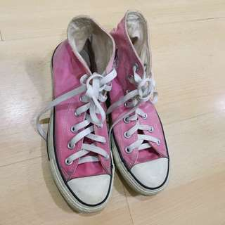 Authentic Converse chuck taylors in pink