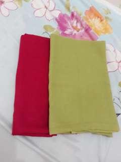 Kerudung segi 4, harga utk 2 pcs, warna fucia dan hijau pupus. Good condition
