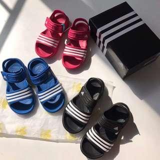adidas 童裝鞋