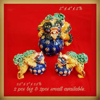 Vintage Hand-Made Hand-Painted Porcelain (not resin) Beijing Dogs for Sale. One Pair Bigger ($68) and One Pair Smaller ($38). Intricate and Colourful. All 4pcs for $78 Clearance offer! Sms 96337309.
