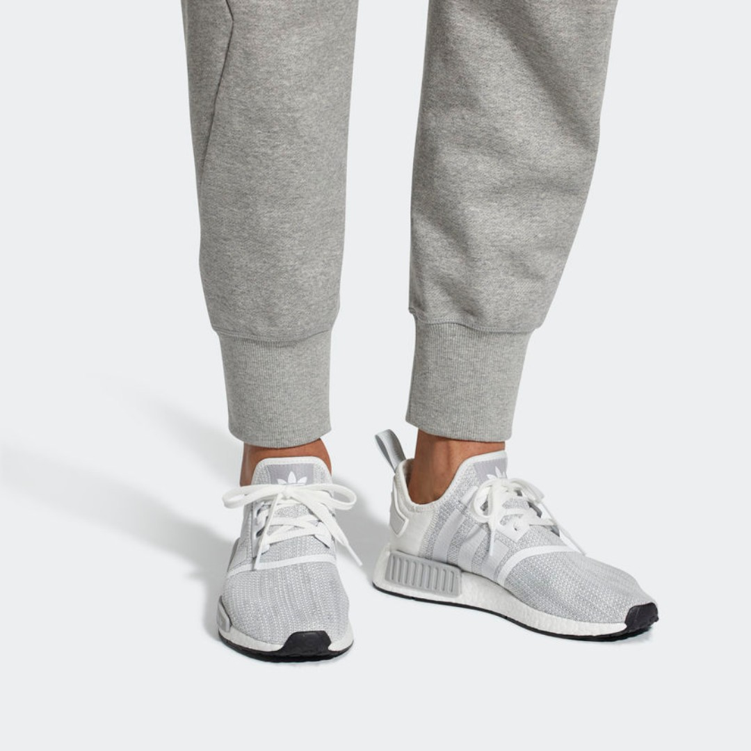 34d8a2252 2018  Authentic  Adidas NMD R1 Blizzard (B79759)