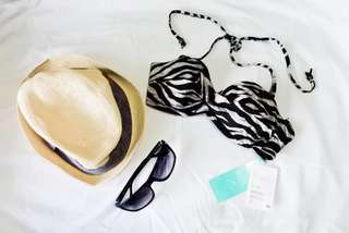 H&M swimwear top balconette with removable straps