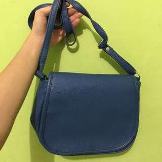 Herbench Sling Bag