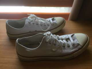 Converse Chuck Taylor White Sneakers