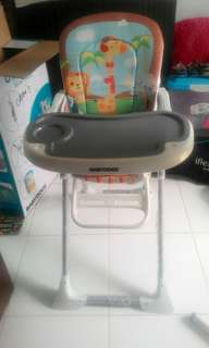 High chair baby does preloved