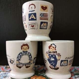 Vintage mug set of 3