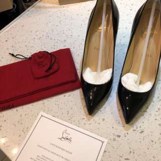 Authentic Never Worn Louboutin Pigalle 100 Size 36