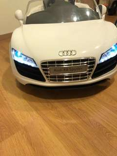 White Audi R8 Spyder Electronic Car