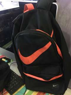 Original Nike back pack with flaw sign of usage