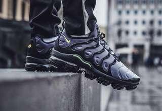 🚚 Nike Air VaporMax Plus Black Volt Neon