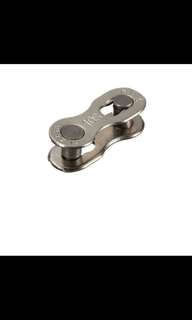 Two Durable Silver Bicycle Chain KMC Magic Buckle of 10 Speed Button
