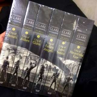 The Mortal Instruments by Cassandra Clare Book 1-6 Set