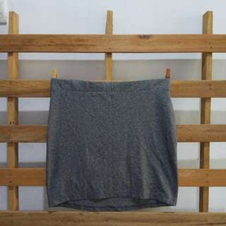 Divided streachy skirt