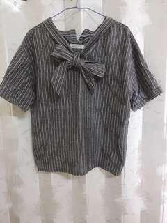 👕二手衣 便宜賣 灰色蝴蝶結上衣