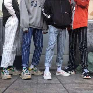 🚚 銀灰色字母條紋褲