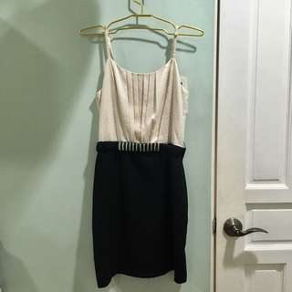 Forever 21 Contemporary Pearl and Black Dress