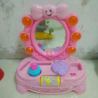 FISHER PRICE MAKE UP TABLE