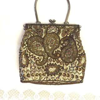 Unipel motif design evening bag. Great for events , weddings n evening functions. Good condition 9/10