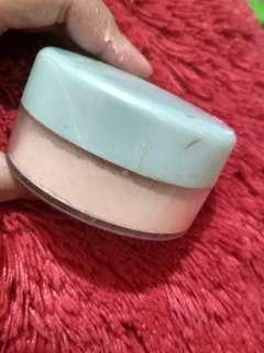 Wardah luminous face powder (01 light beige)
