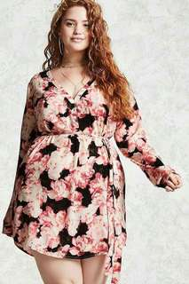 Online Sale: P350 only !!!  💋3D Floral Plus Size Dress Blouse  💫Blend cotton, stretch  💫V-neck design  💫With waisted belt  💫Free size fits up to XXL 💫Single color