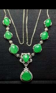 Jade Necklace 翡翠頸鏈全新