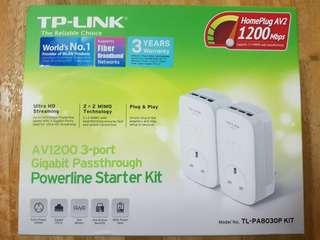 TP-LINK AV1200 3-port Powerline Starter Kit (Gigabit Passthrough)