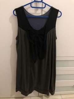 Ribbon grey dress