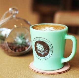 *Outofstock x Fire King 已斷市 * Heritage Fire King D Ring Coffee Mug * Made in Japan * Milk Glass / Jade 翡翠綠