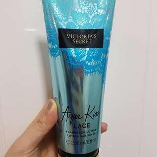 VS Aqua Kiss Lace Fragrance lotion