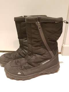 *Perfect for winter holidays* Unisex Waterproof Winter Boots size US9 - up to -25°C!