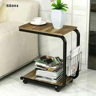 Simple Side Table w. Wheels