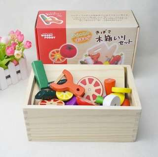 BNIB [Pretend Play] Wooden magnetic vegetable fruit cut
