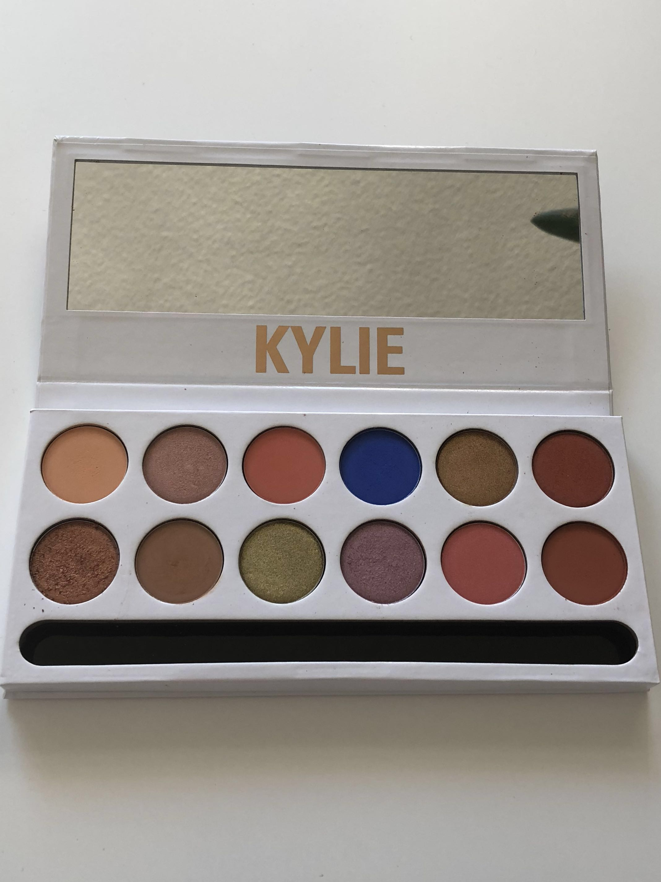 Authentic Kylie Cosmetics The Royal Peach Palette