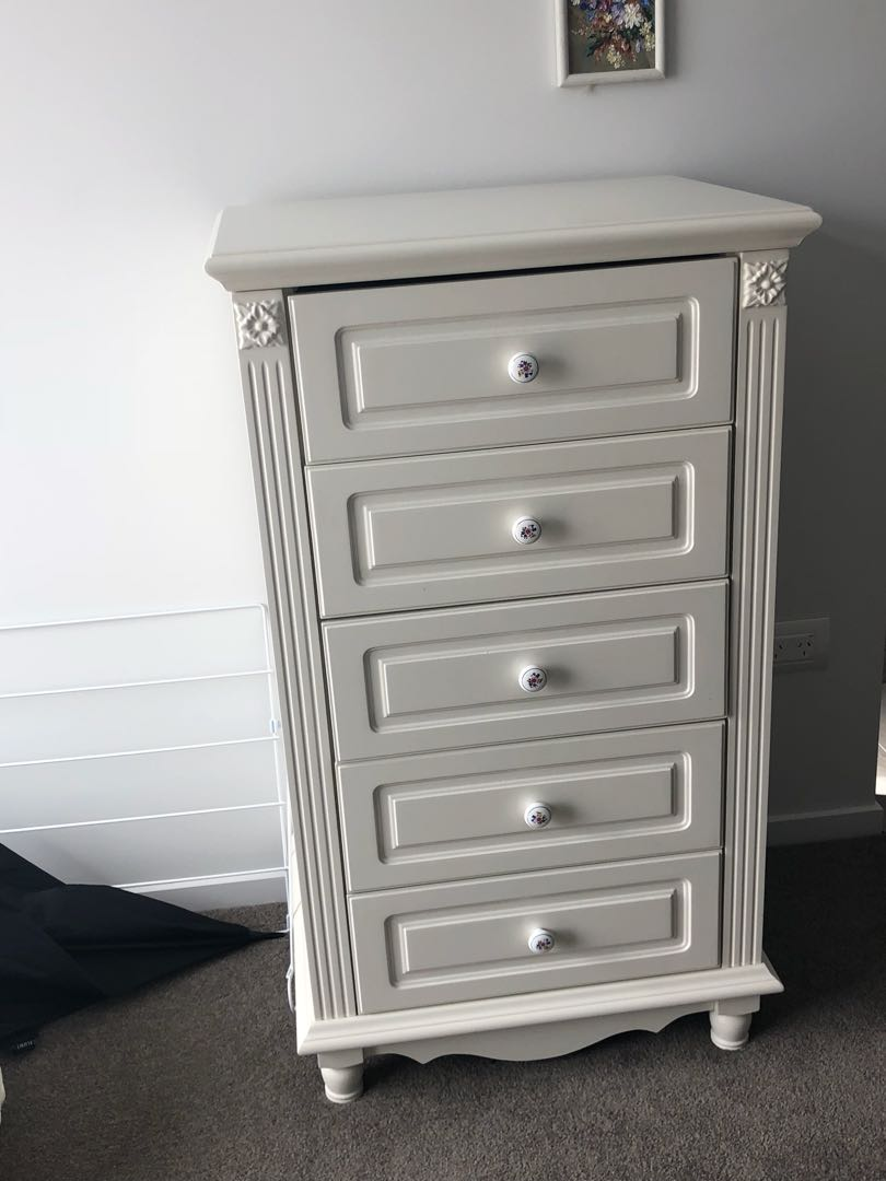 Beautiful set bed drawer and 2 small drawers