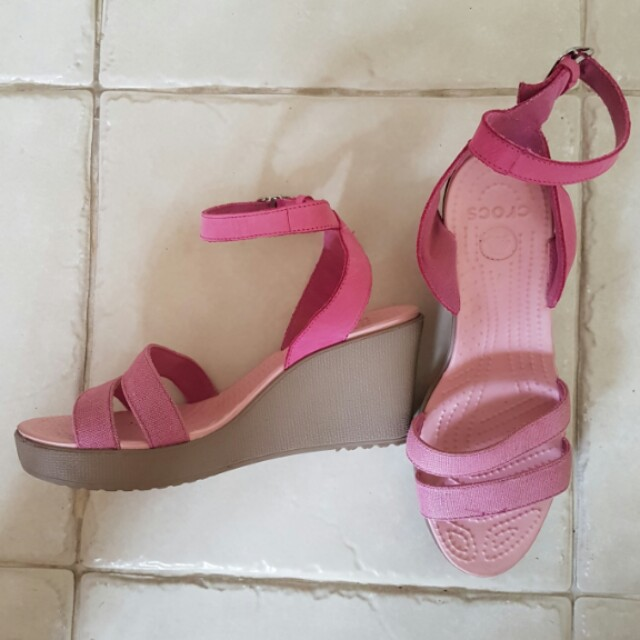 157b7b3e8b Crocs Elegantly Styled Women Pink Open Toe Wedges, Women's Fashion, Shoes  on Carousell