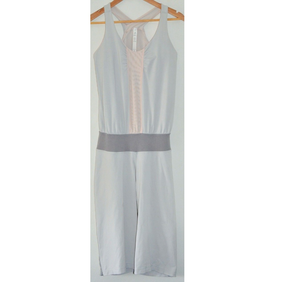 6820b1f32edd LULULEMON HER ROMPER GREY   PINK YOGA ONE PIECE JUMPSUIT w SHELF BRA ...
