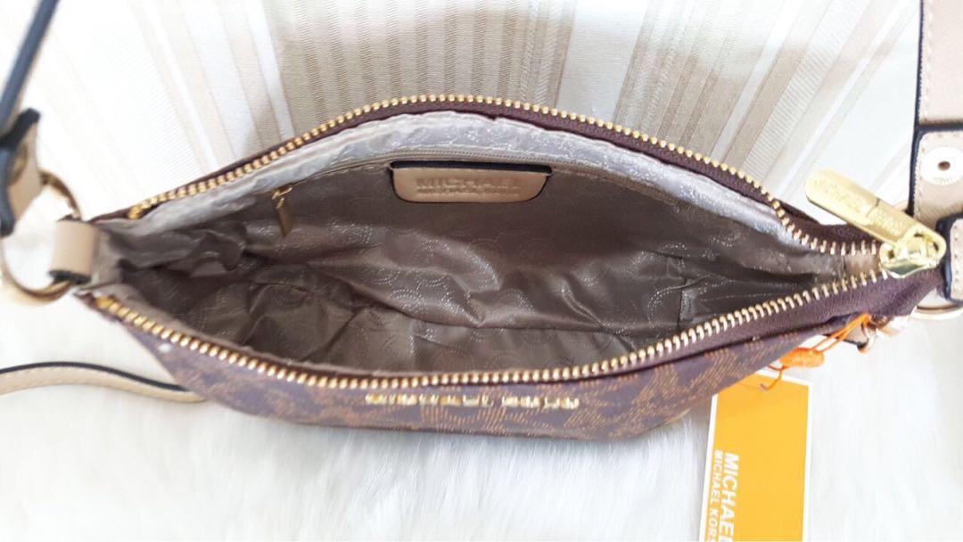 15c531af38680 Michael Kors Sling Bag
