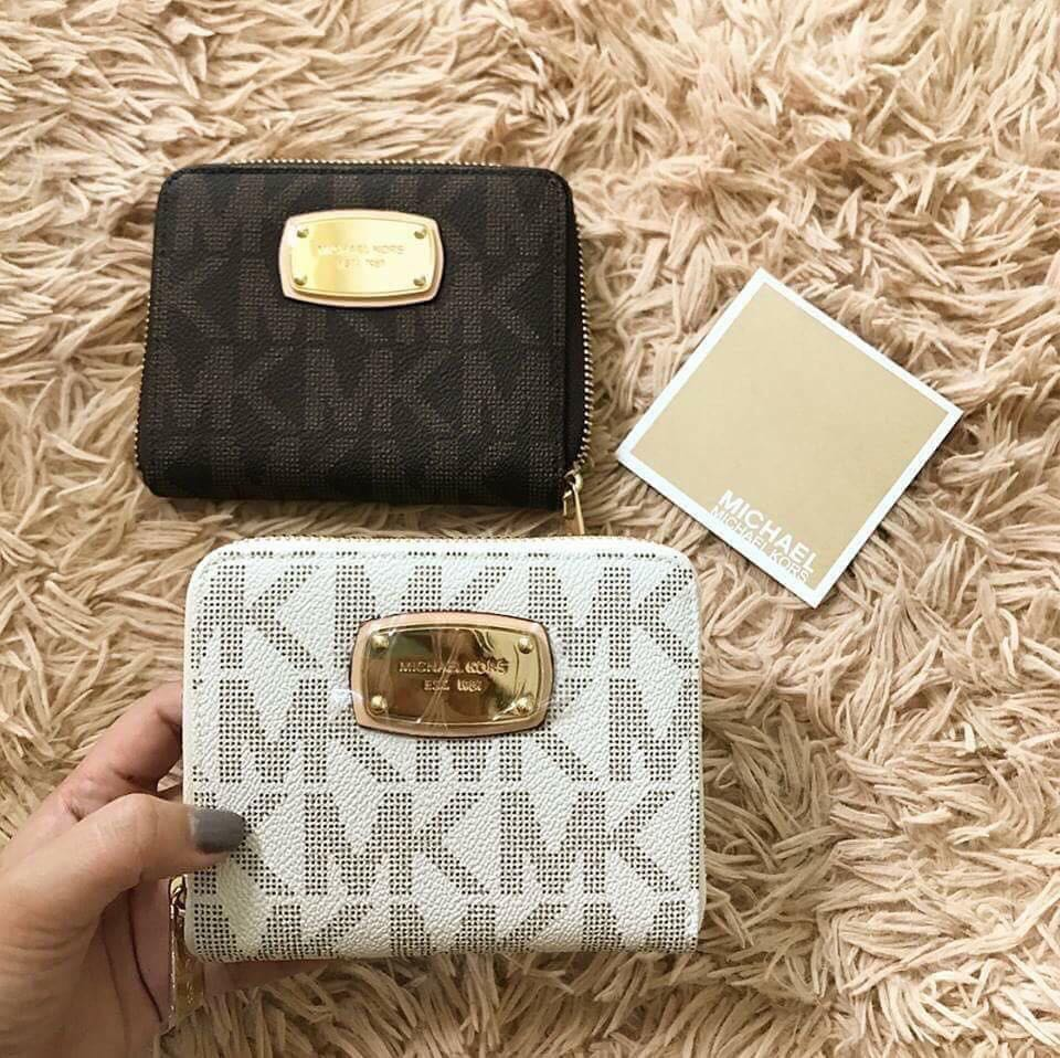 789155ec8faa75 Michael Kors small wallet made in China Pls don't ask anything kung not  serious buyer ty, Women's Fashion, Bags & Wallets on Carousell