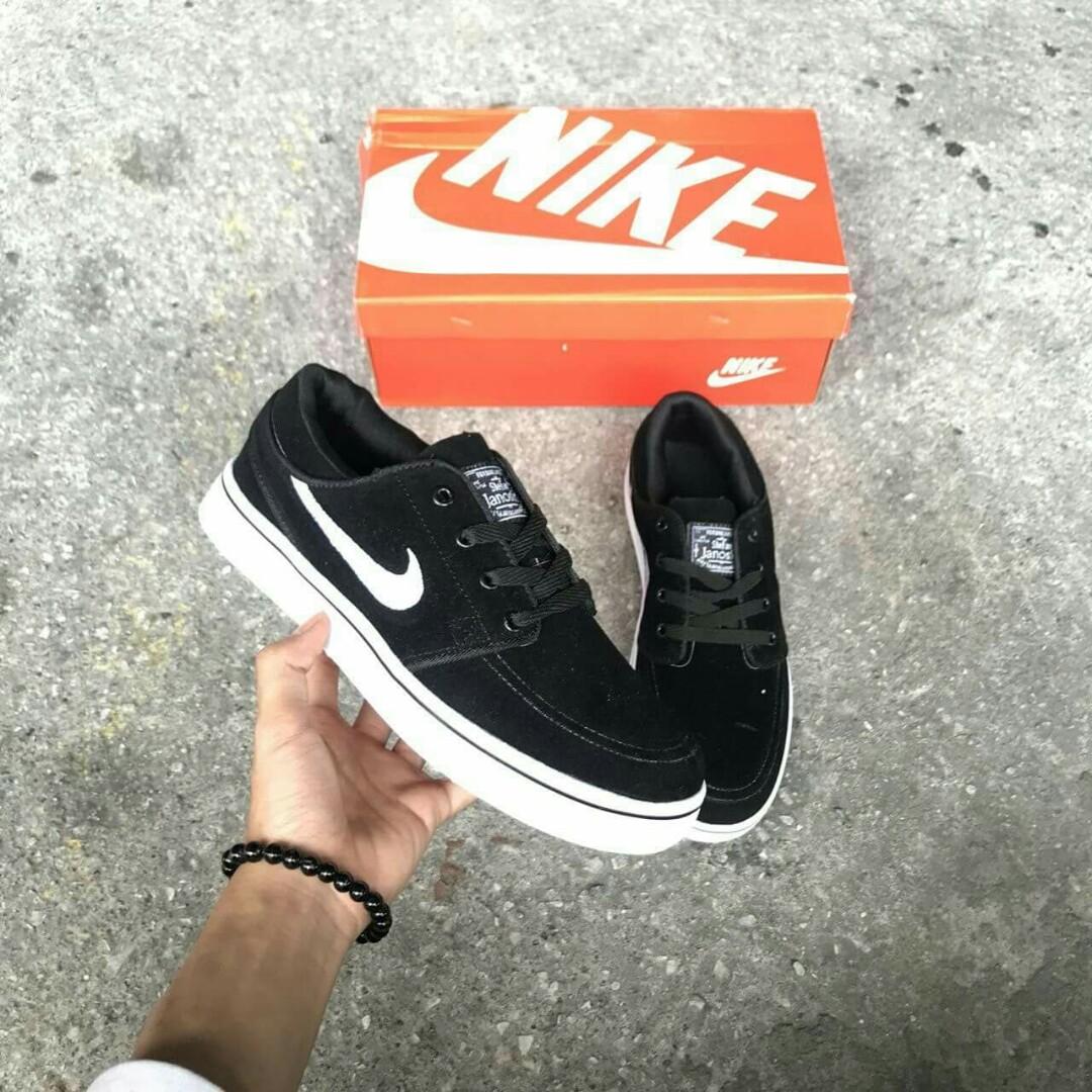 new style 8a9ce b144f NIKE SB JANOSKI Color: BLACK WHITE Price : RM80.00 SM/ RM 85.00 SS Free  postage. Size : 41 - 45 euro 👉🏻 Readystock, Men's Fashion, Footwear, ...