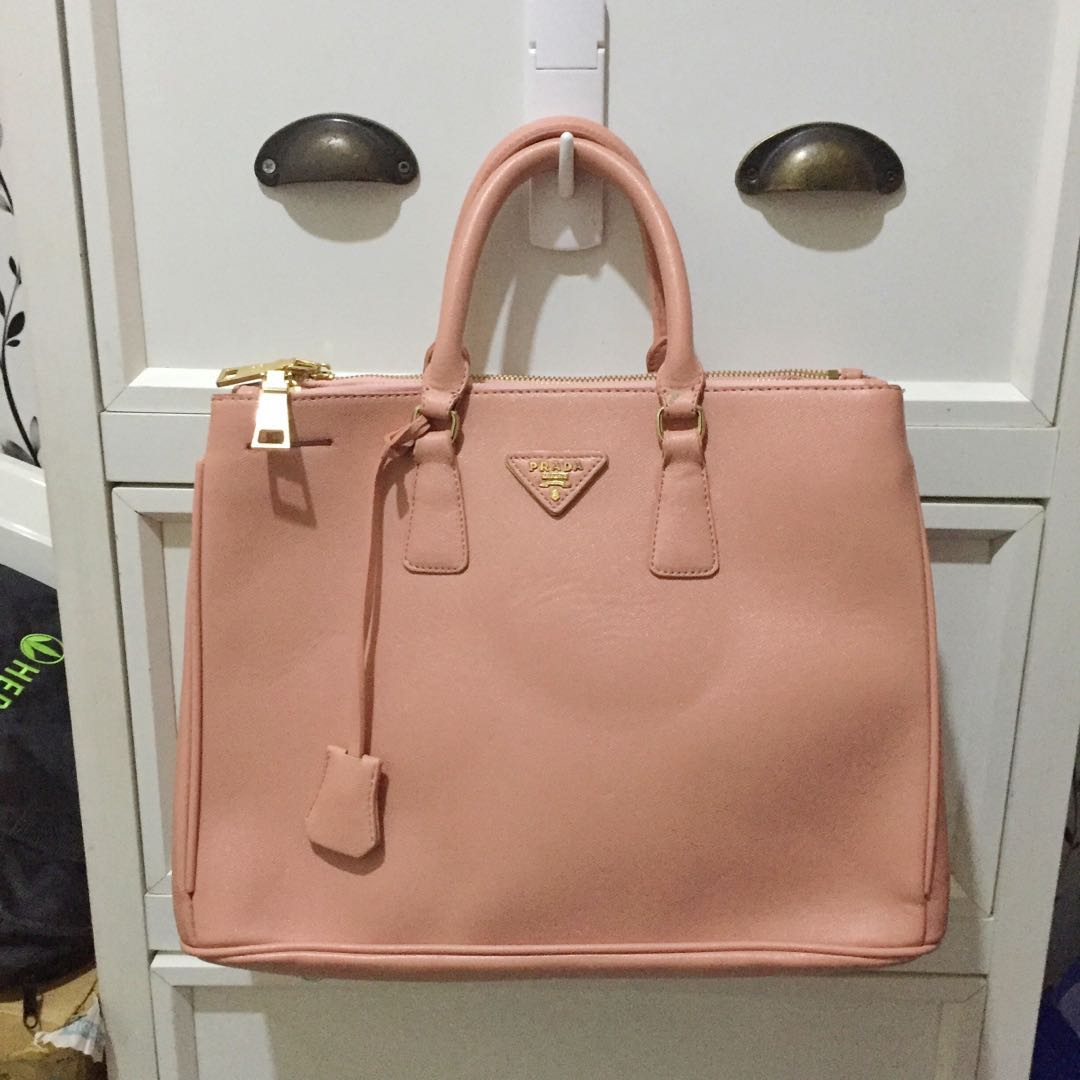 3562986275fa Prada Galleria Saffiano Leather Tote, Women's Fashion, Bags ...