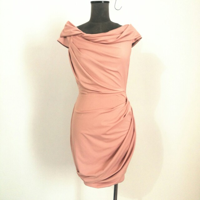 Review dress size 8. NEW