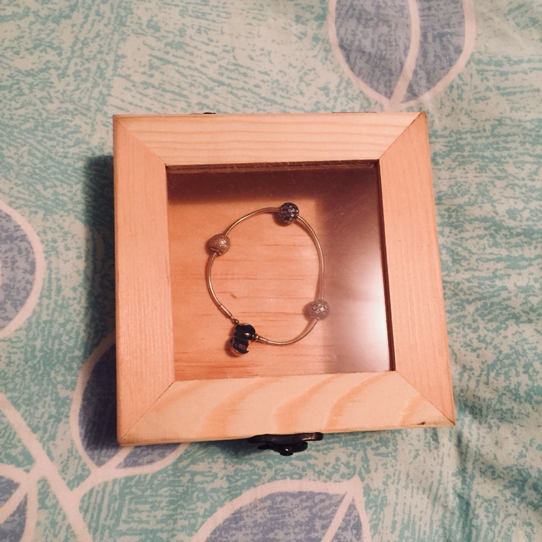 Unfinished wooden jewelry box