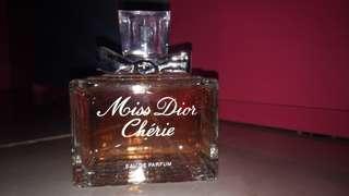 MISS DIOR CHERIE PARFUME