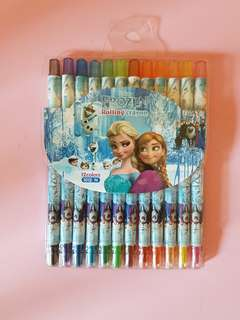 Frozen crayon set