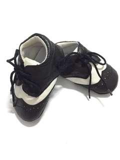 Prewalker sepatu bayi tuxedo