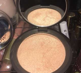 Becca Shimmering Skin Protector Champange Pop