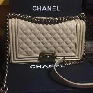 Chanel le boy