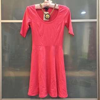 🚚 H&m 棉質超美裙擺 合身傘狀螢光粉洋裝